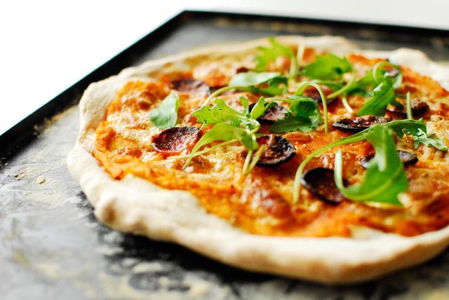 Studio kuchnia   pizza z dynia i chorizo