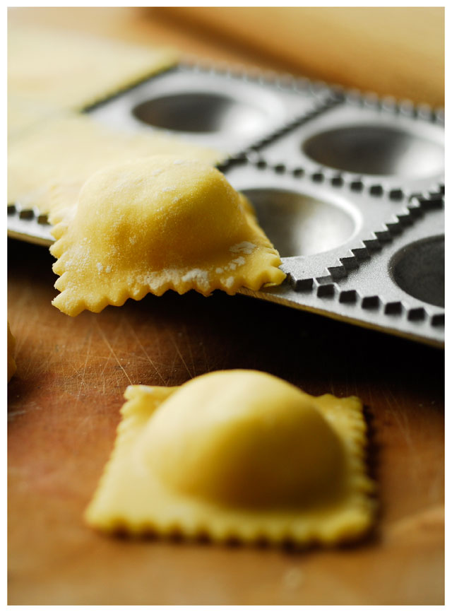studio kuchnia   Pierogi z ricottą i szparagami
