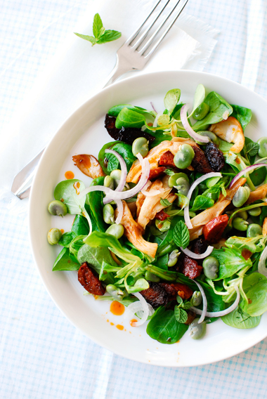 studio kuchnia | Zielona sałatka z bobem i boczniakami