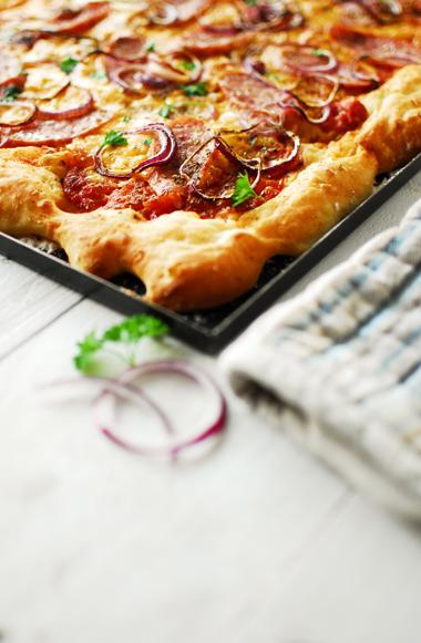 studio kuchnia | Pizza ziemniaczana z kiełbasą