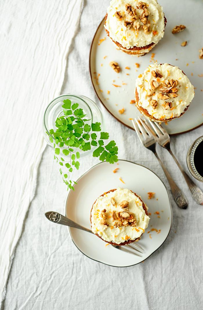 studio kuchnia   Torciki marchewkowe z kremem kokosowym z białą czekoladą