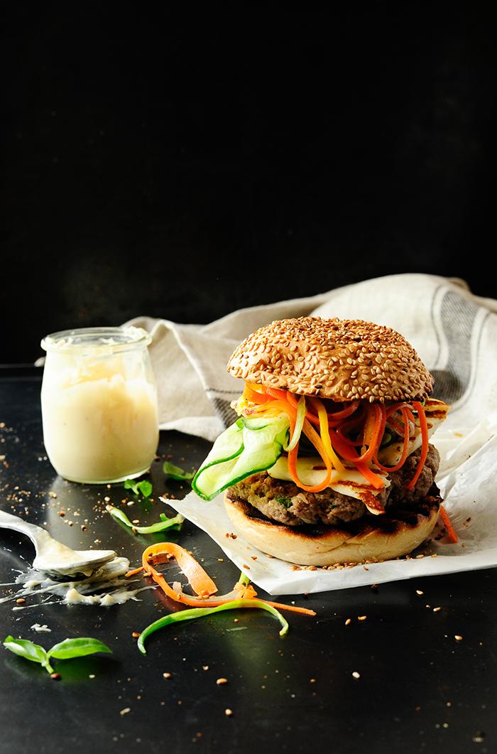 studio kuchnia | Hamburgery wołowe z grillowanym halloumi