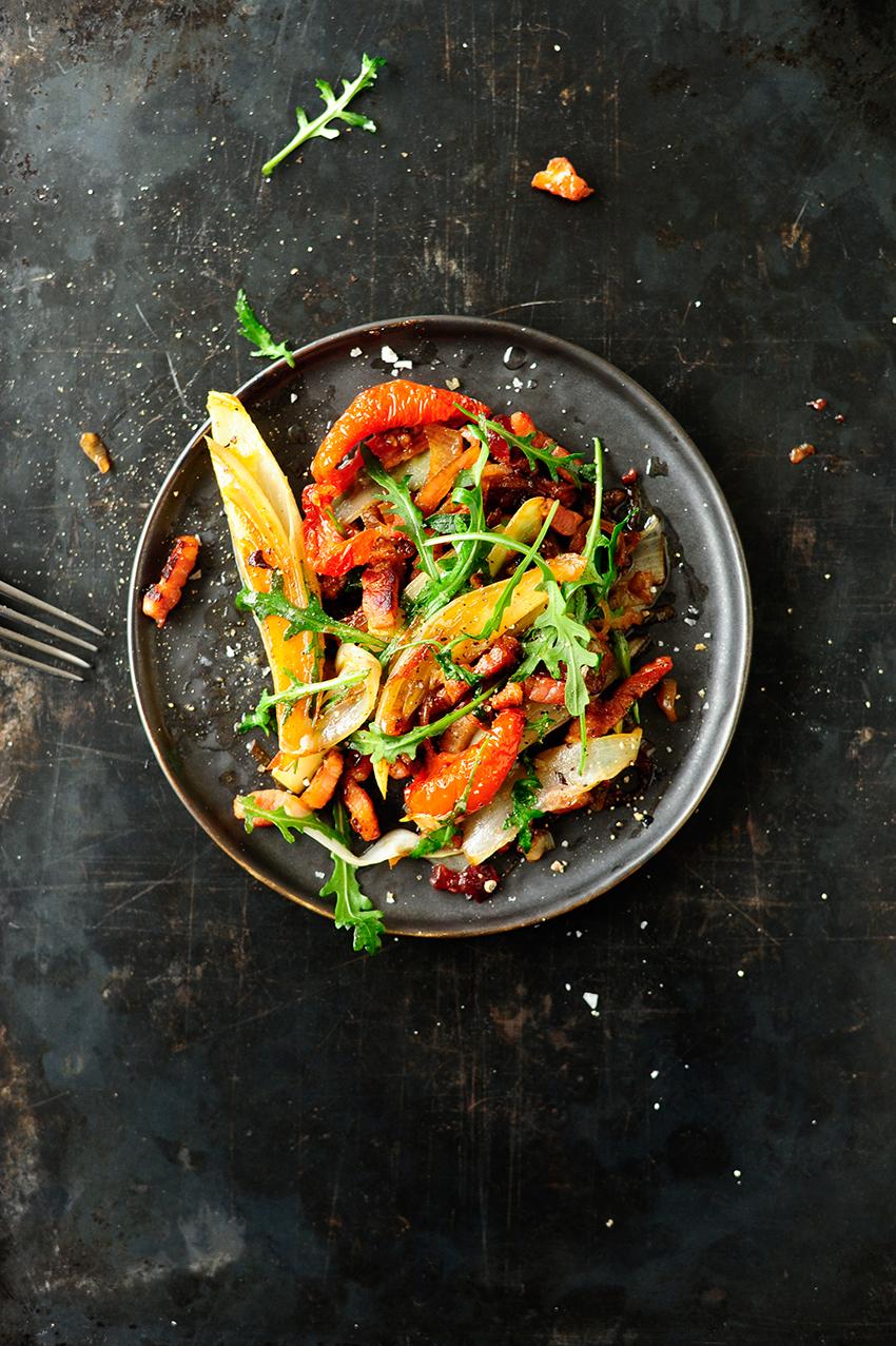 studio kuchnia   Salatka na cieplo z cykoria i sosem z zurawiny