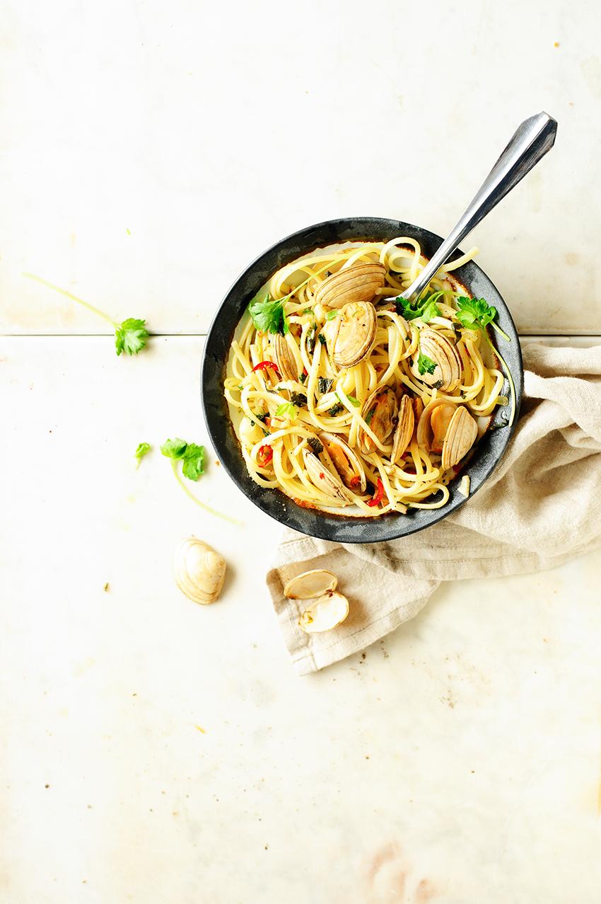 serving dumplings   pasta-alle-vongole