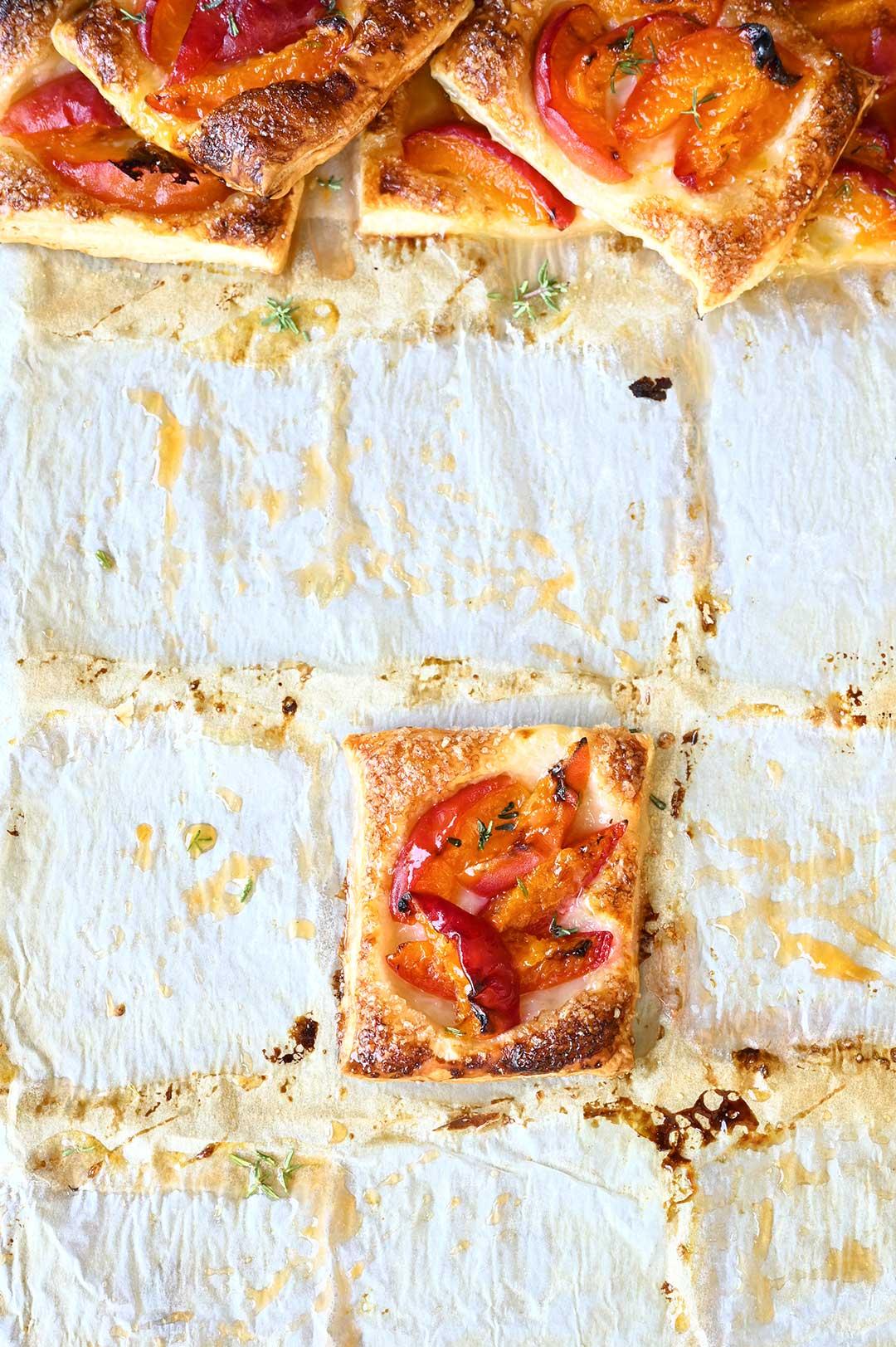 serving dumplings | Abrikozentaartjes met honing