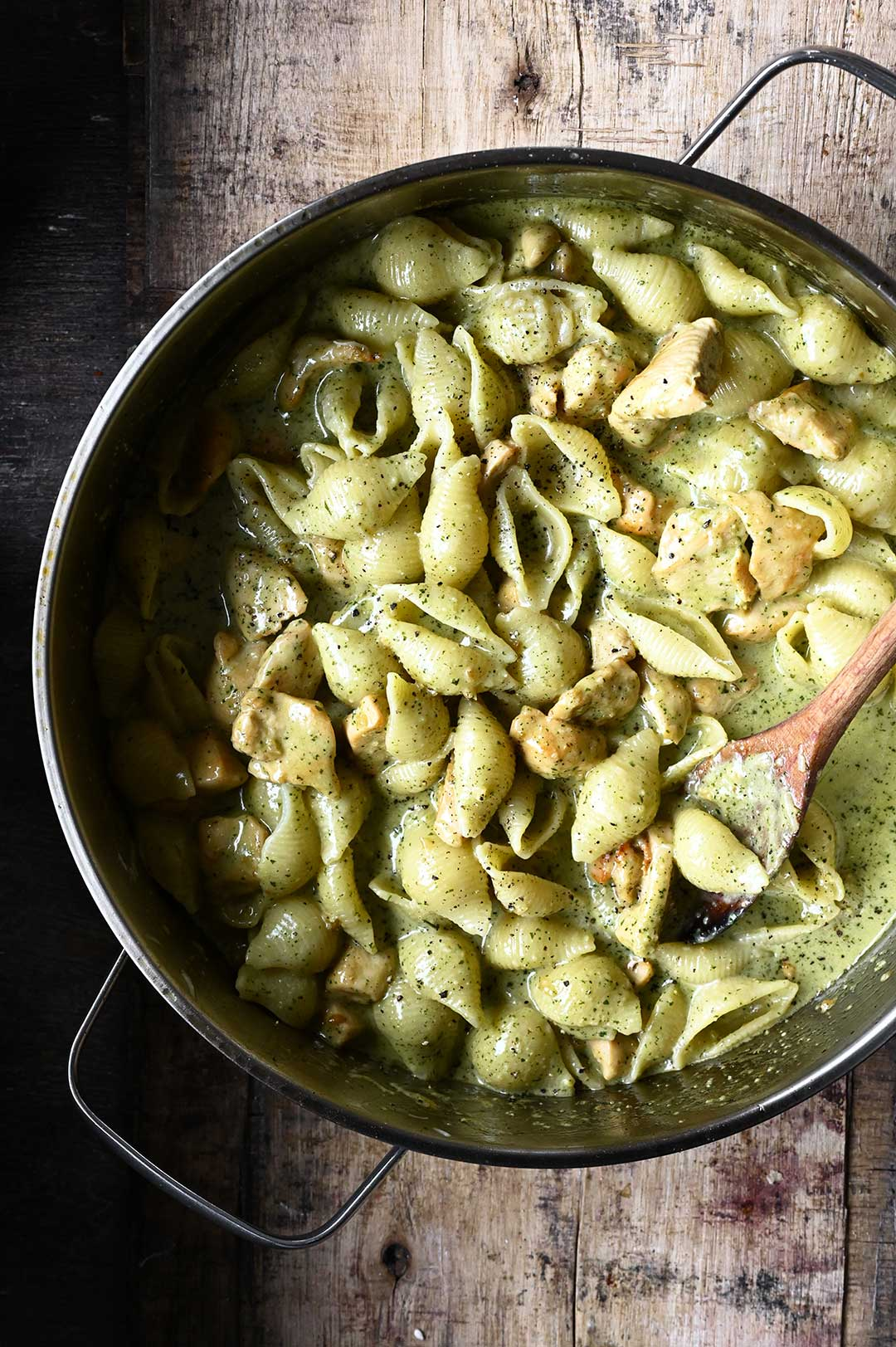 serving dumplings | Pasta met kip en romige pesto