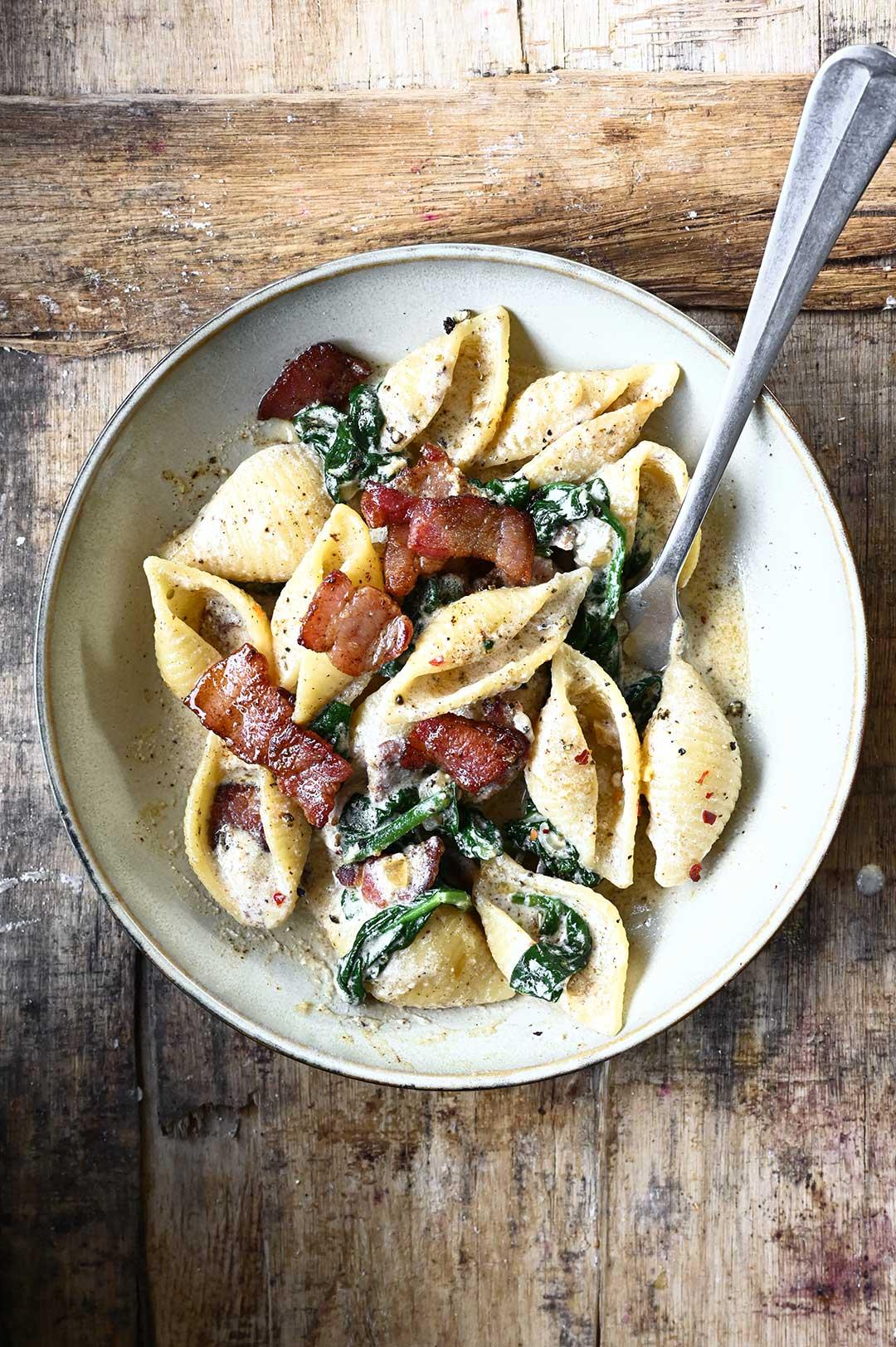 serving dumplings | Pasta met spinazie spekjes en ricotta