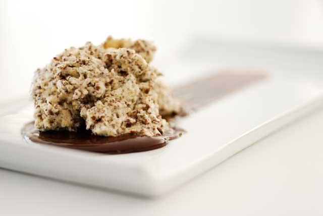 studio kuchnia | Mus stracciatella z mascarpone w sosie czekoladowym