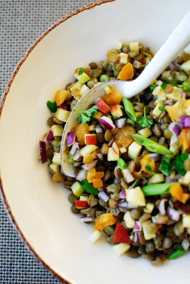 Kolorowa sałatka z soczewicy | Studio Kuchnia