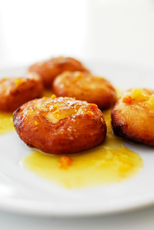 studio kuchnia | Pączki z ricotty w pomarańczowym sosie