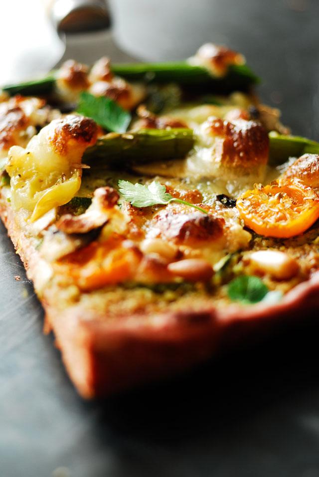 studio kuchnia l Pizza na buraczanym spodzie