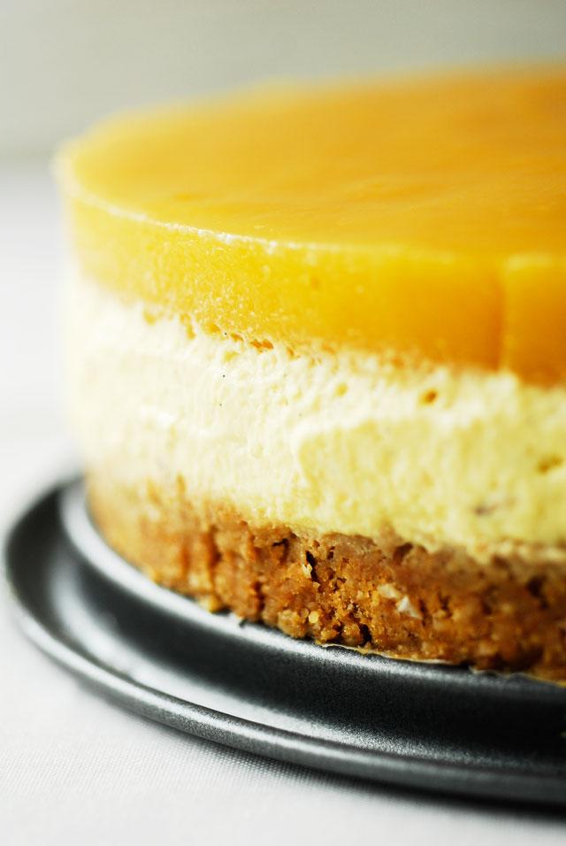 Studio kuchnia | Tort z kremem bawarskim z mango