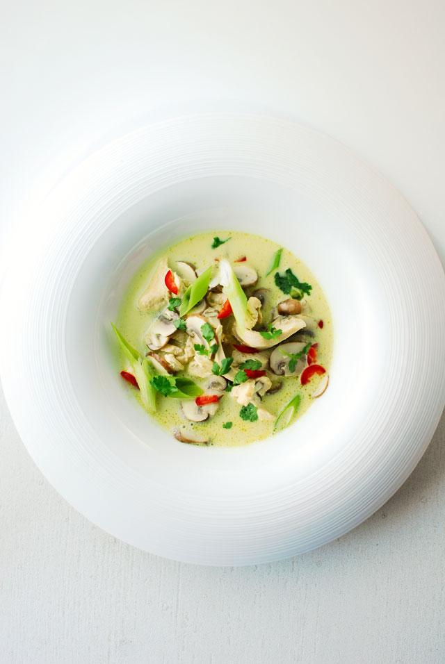 studio kuchnia   Tajskie danie jednogarnkowe z kurczakiem