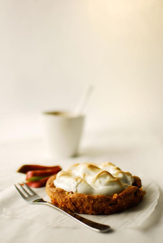 studio kuchnia | Placek rabarbarowy z meringue