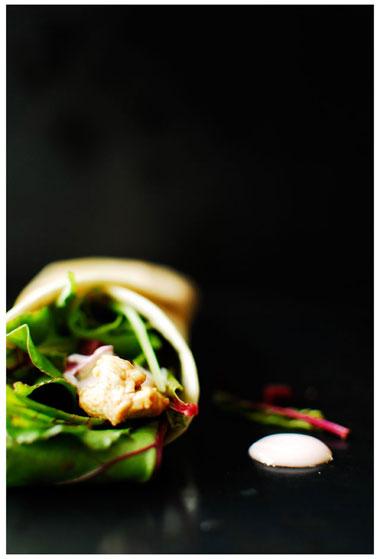 studio kuchnia | Kolorowy wrap z kurczakiem i botwinką