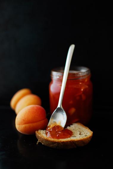 studio kuchnia | Dżem brzoskwiniowo-morelowy z migdałami