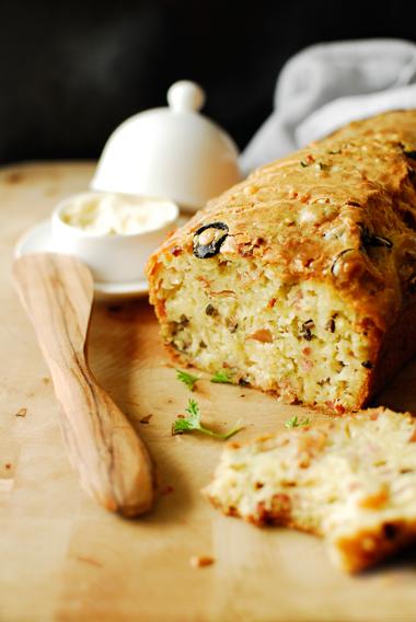 studio kuchnia | Śniadaniowy chleb z boczkiem i serem