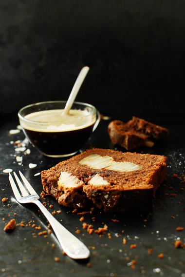 studio kuchnia | Ciasto czekoladowo migdałowe z gruszkami