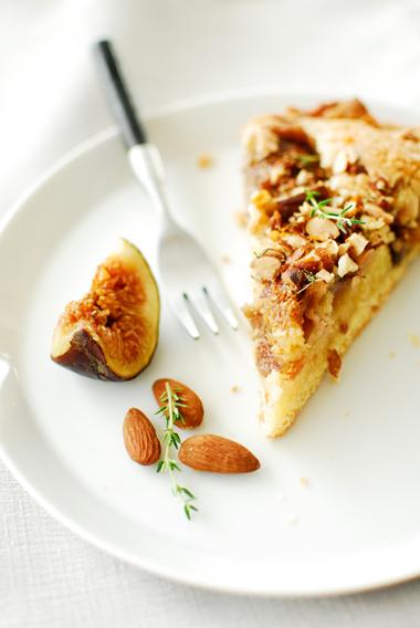 Tarta z migdałowym kremem i figami