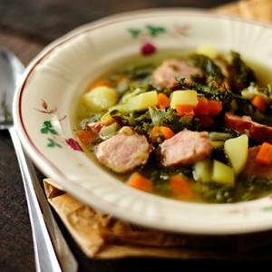Zimowa zupa z jarmużem