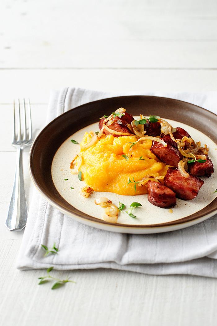studio kuchnia | Dyniowa polenta z kiełbasą