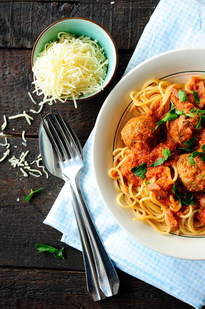 studio kuchnia | Klopsy w sosie z suszonych pomidorów
