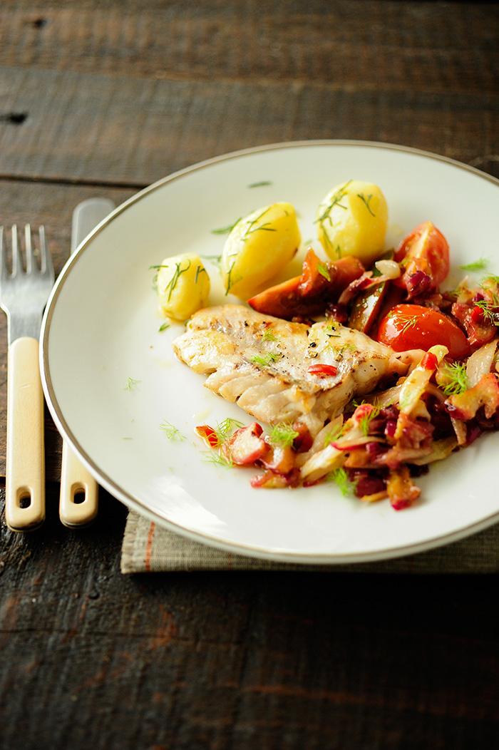 studio kuchnia   Ryba i chutney z rabarbarem i fenkułem