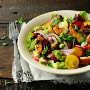 Salatka-z-Kurczakiem-i-Awokado-0