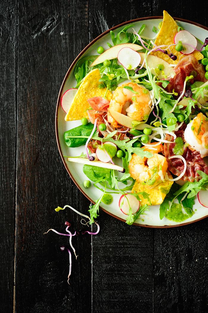 studio kuchnia | Sałatka z krewetkami i szpinakowym winegretem