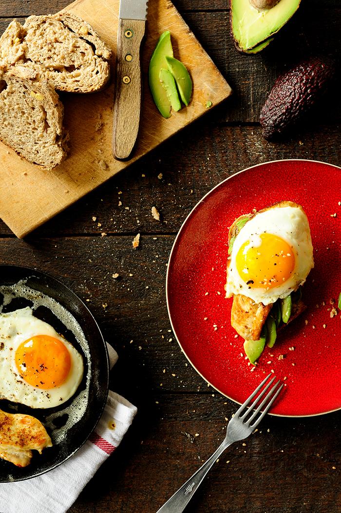 Studio Kuchnia |Kanapki z kurczakiem, awokado i jajkiem