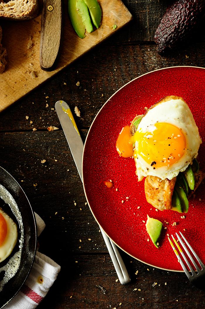 Studio Kuchnia |Kanapki z kurczakiem, jajkiem i awokado