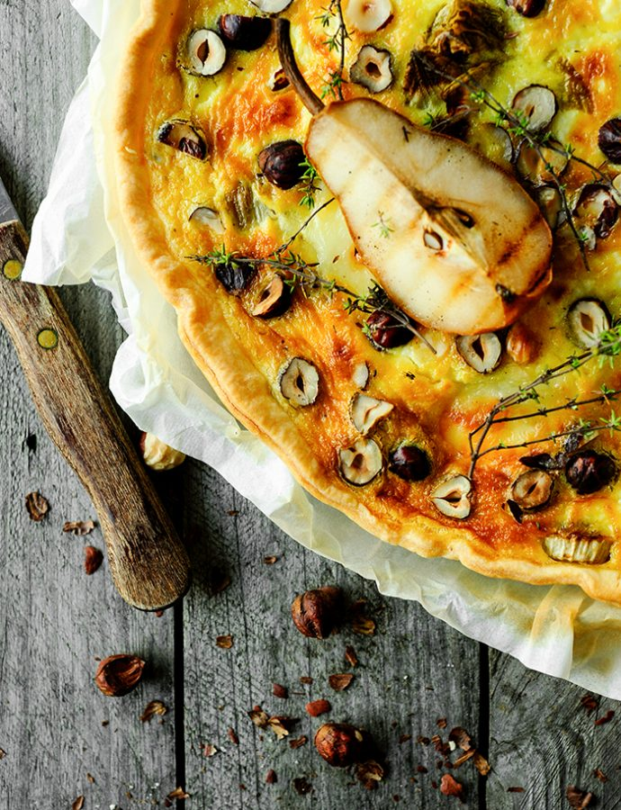 Quiche with roasted pears, chicory and goat cheese