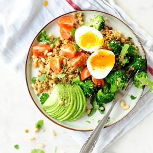 Quinoa-z-brokulem-i-soczewica-0