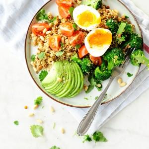 Komosa ryżowa z brokułem i soczewicą