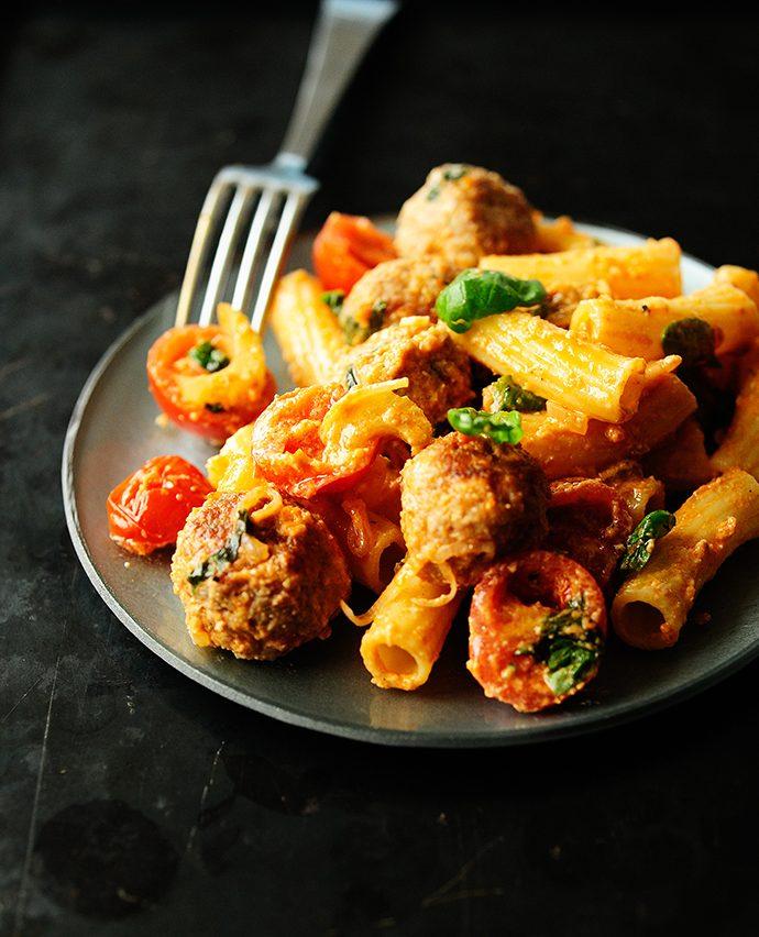 Pulpety w sosie pomidorowo selerowym