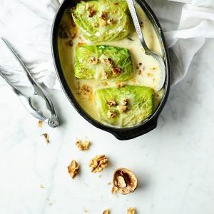Gołąbki z ziemniakami, cykorią i gruszką w sosie gorgonzola