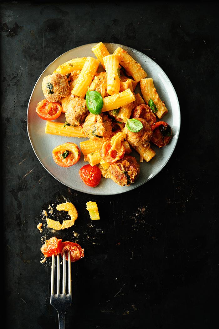 studio kuchnia | Pulpety w sosie pomidorowo selerowym