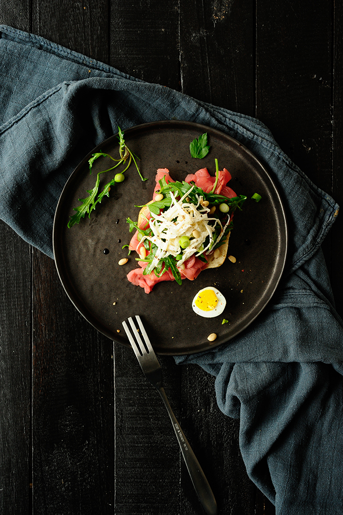 serving dumplings | Beef carpaccio with horseradish celeriac