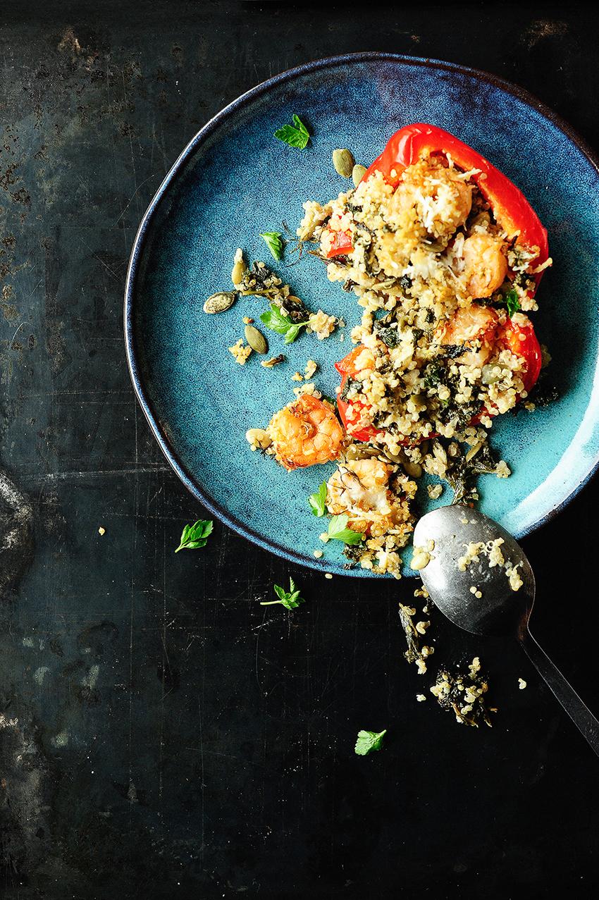 serving dumplings | Paprika gevuld met quinoa en scampi's
