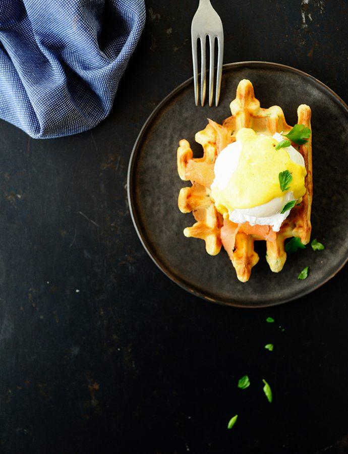 Speltwafels met florentijnse eieren en gerookte zalm