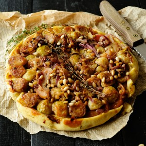 Tarte tatin with Brussels sprouts and apple