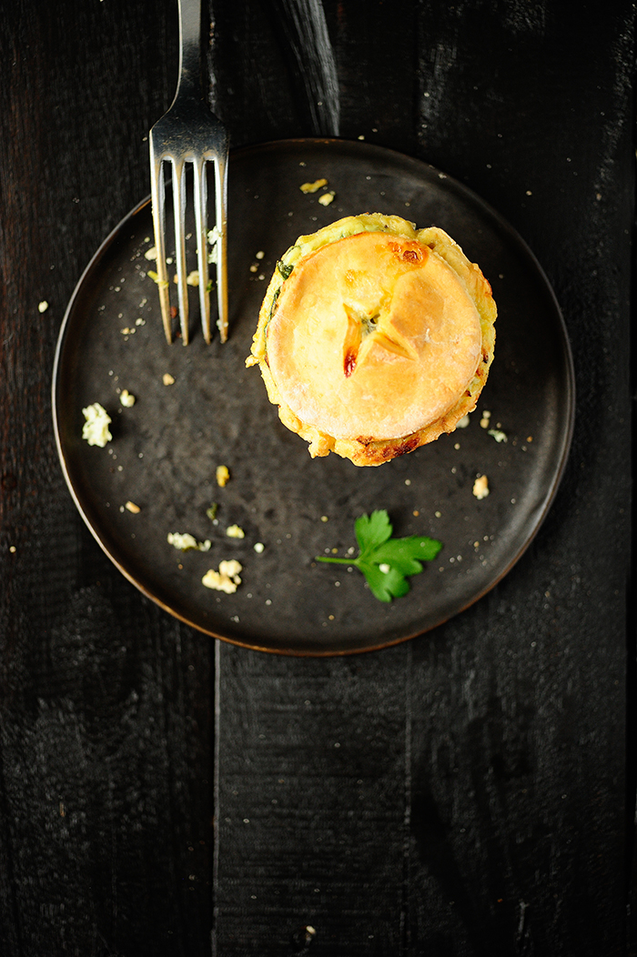 serving dumplings |Babeczki wielkanocne z serem ricotta i szpinakiem