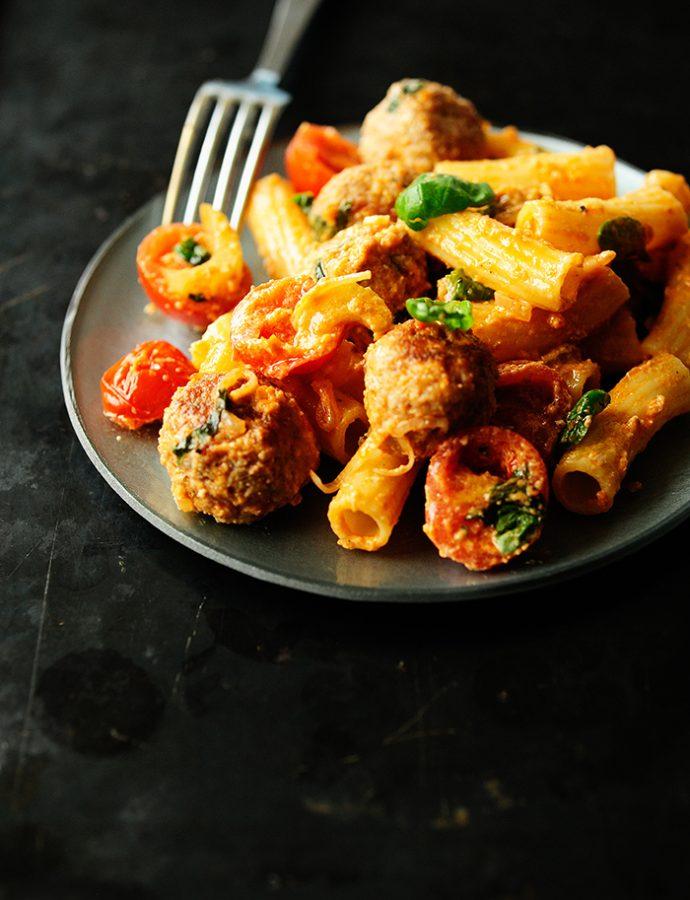 Gehaktballetjes met seldersaus en tomaten