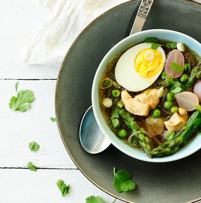 Asian-style soup with asparagus