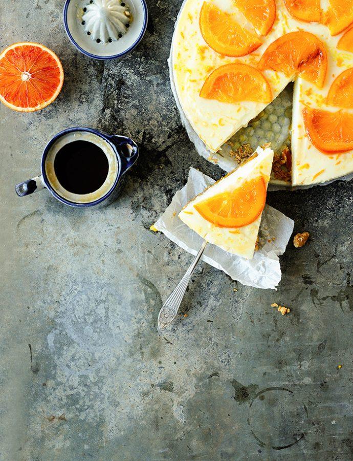 Sernik pomarańczowy z sosem z krwistej pomarańczy