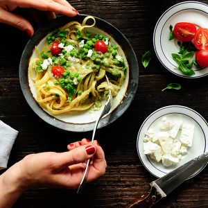 Makaron z sosem z awokado