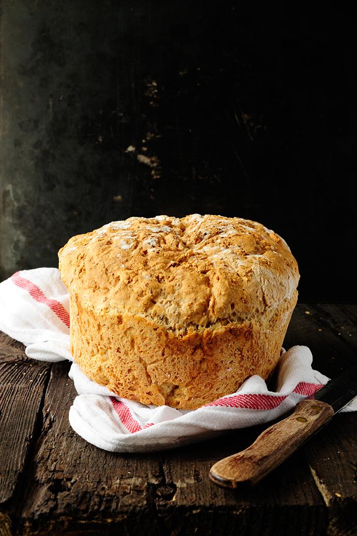 serving dumplings | Pełnoziarnisty chleb pszenny bez wyrabiania