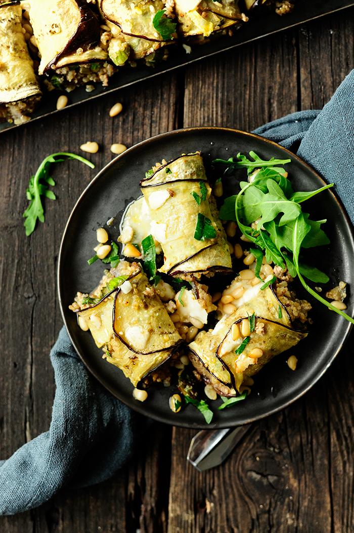 serving dumplings | Auberginerolletjes met asperges en quinoa