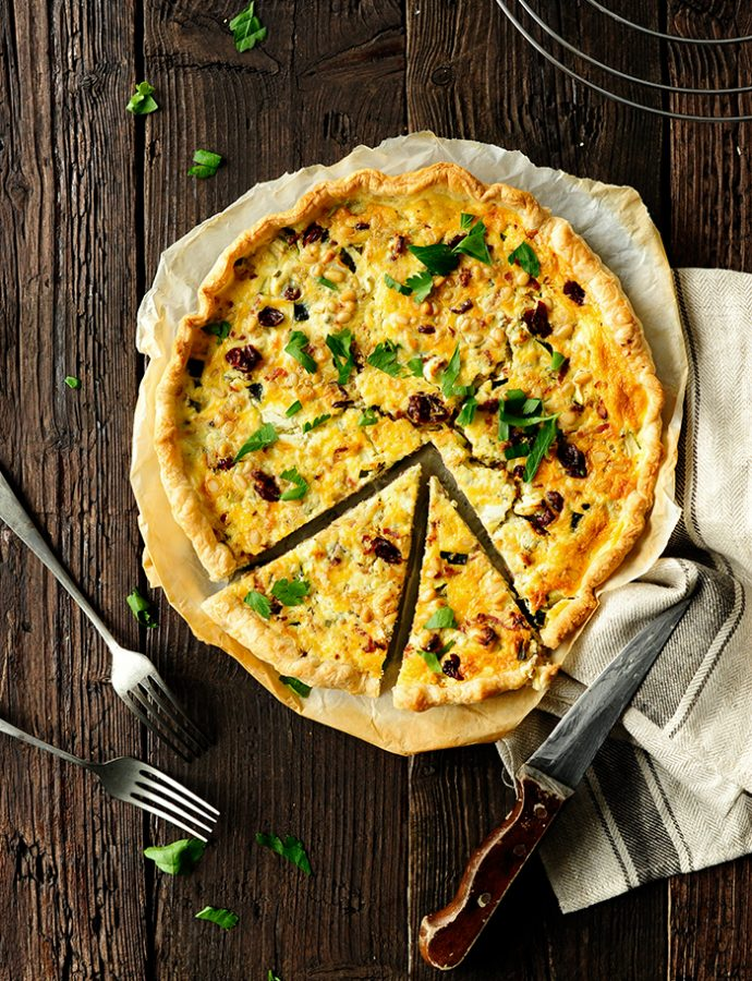 Quiche with bacon, zucchini and cranberries