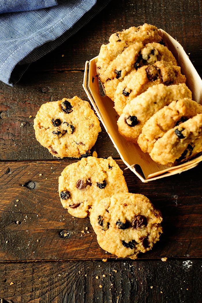 serving dumplings | Oatmeal cookies with blueberries